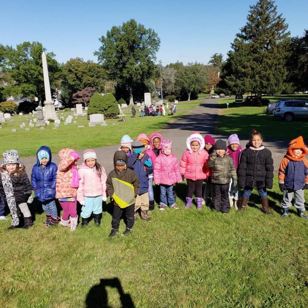 children on field trip